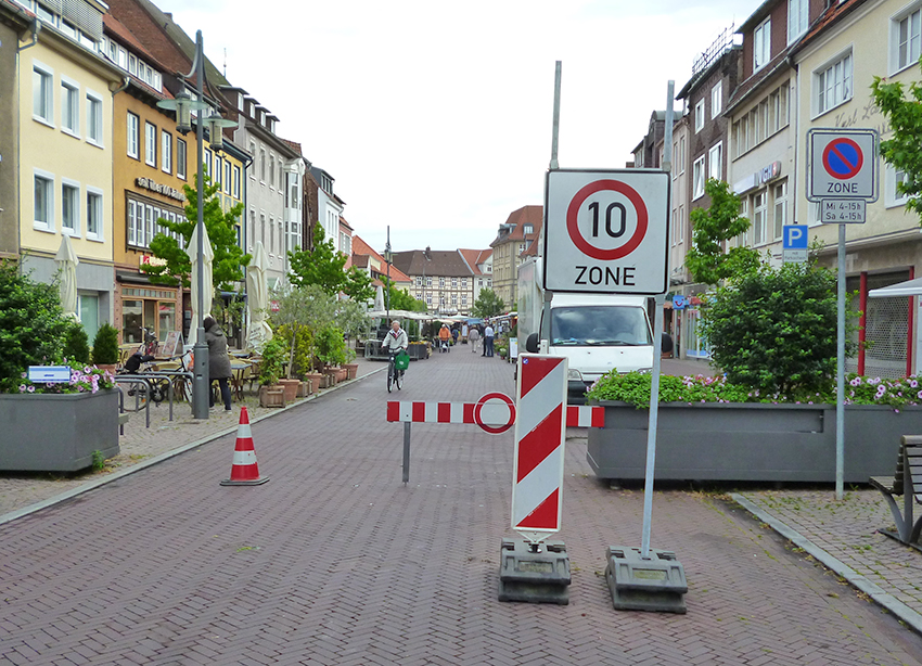 Verser Straße Markteingang