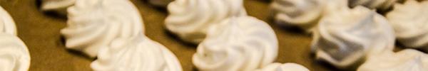 Unsere Nachspeise: Zitronentartelettes mit Erdbeersorbet