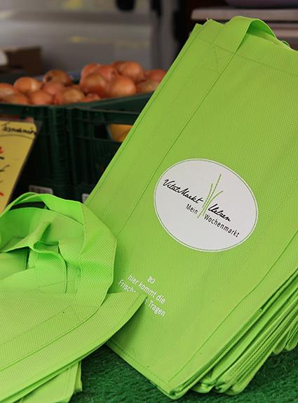 Unsere Vitalmarkttaschen sind noch bei Ulli Fellersmann erhältlich.